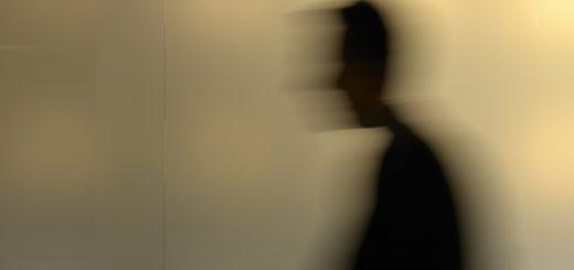 Unbekannter Mann in Pfaffenhofen spricht Mädchen an